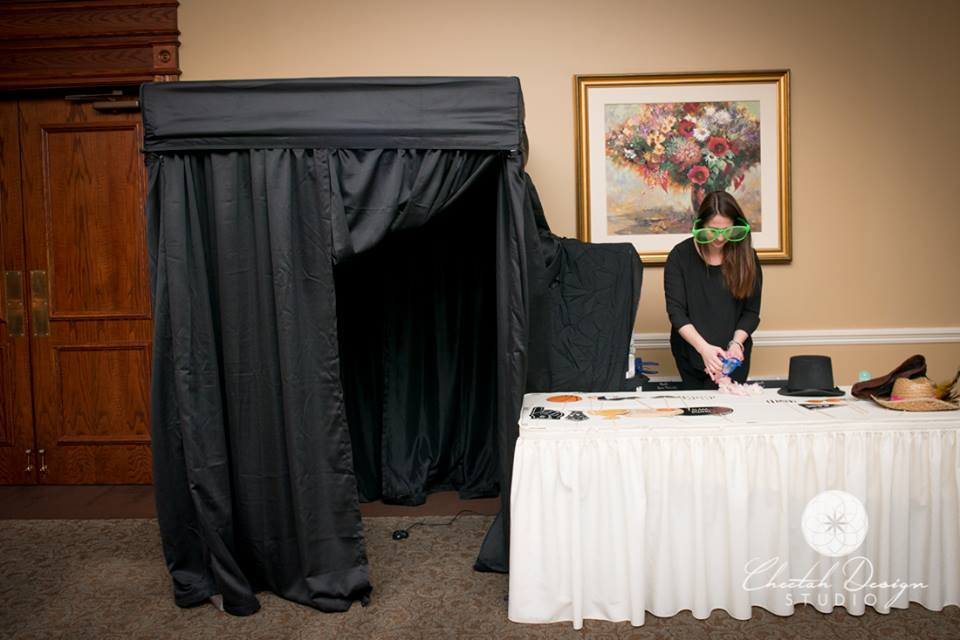enclosed photo booth for rent